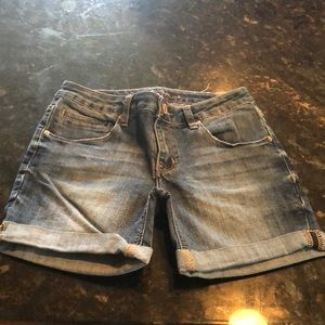 Chip and Pepper Malibu mid-rise short